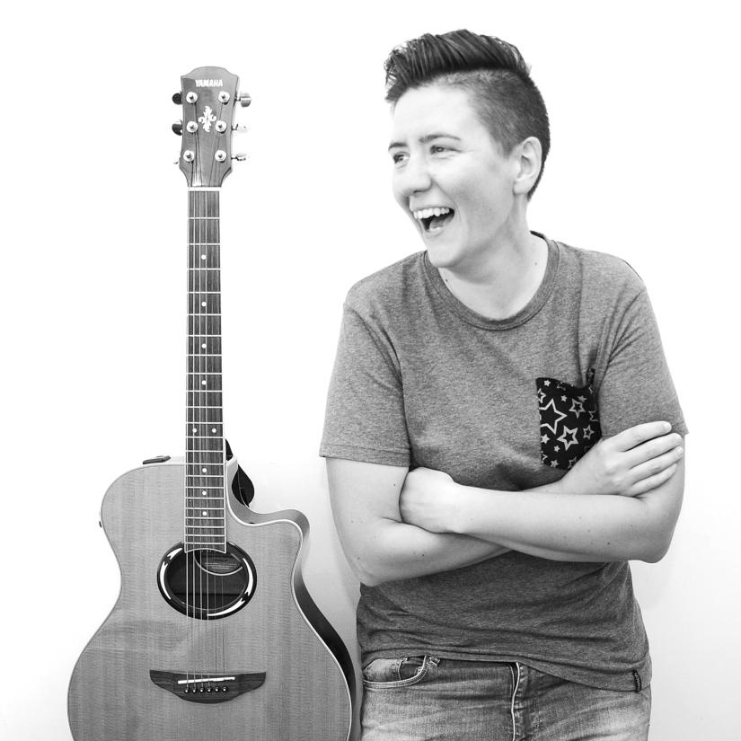 hannah brackers guitar